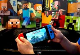 Minecraft: Nintendo Switch Edition in modalità portatile